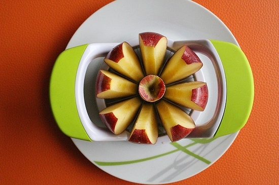 Simply slicing an apple could increase its sales by as much as 71%,     according to a study published in 2013